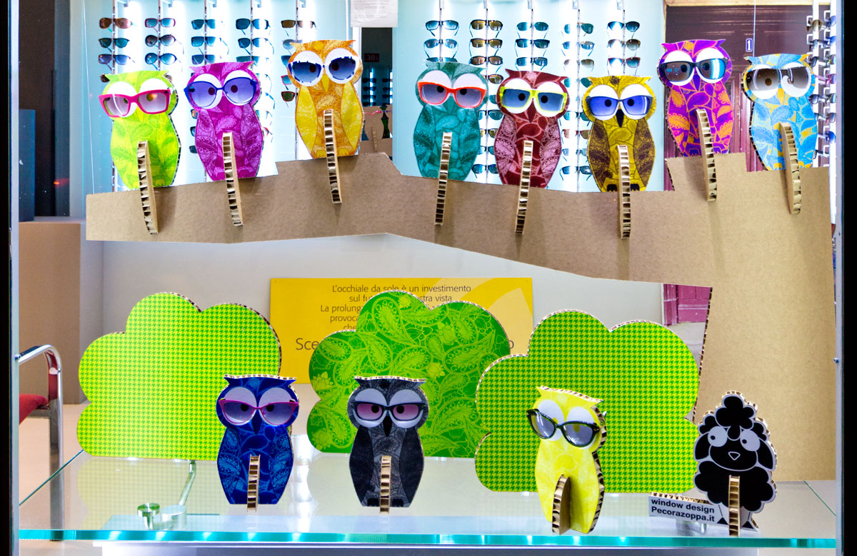 owl-paisley-glasses-display-pop-up-optician-windows-design